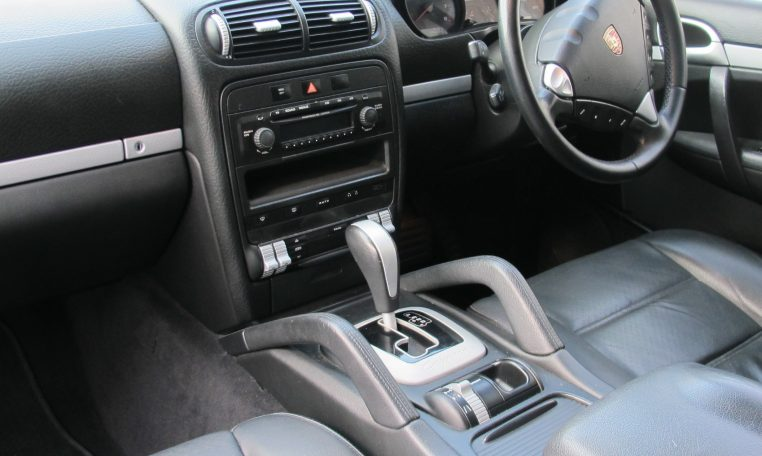 2008 Porsche Cayenne - Dash