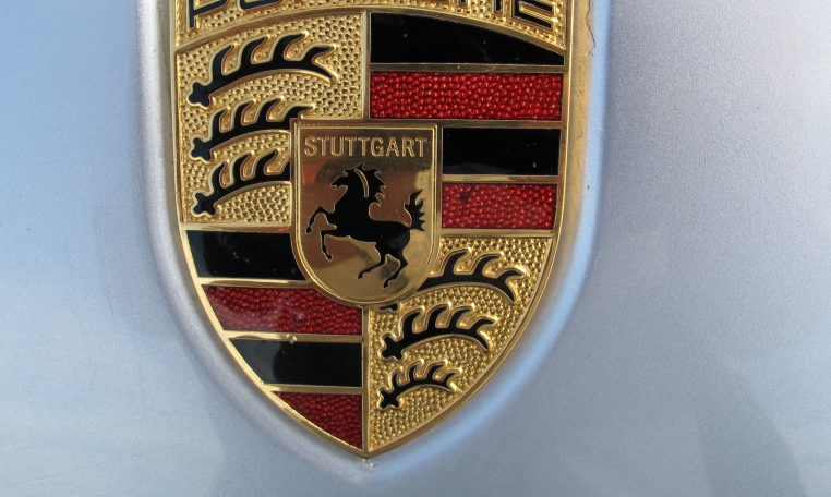 2008 Porsche Cayene - Badge