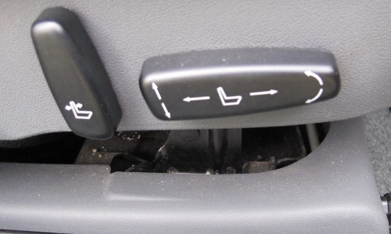 2003 Saab 93 - Seat Adjustment Buttons