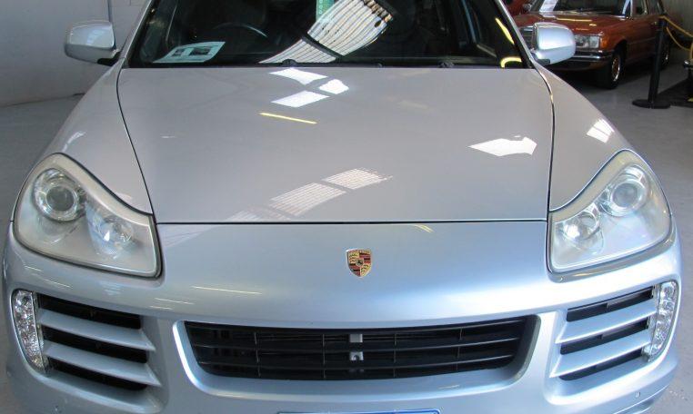 2008 Porsche Cayenne - Bonnet