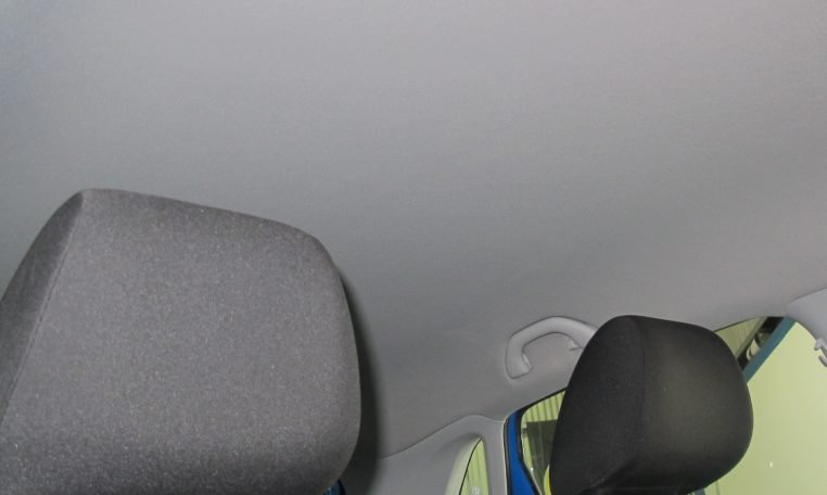 2015 VW Polo - Head Rests
