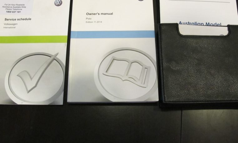 2015 VW Polo - Service Book - Owners Manual