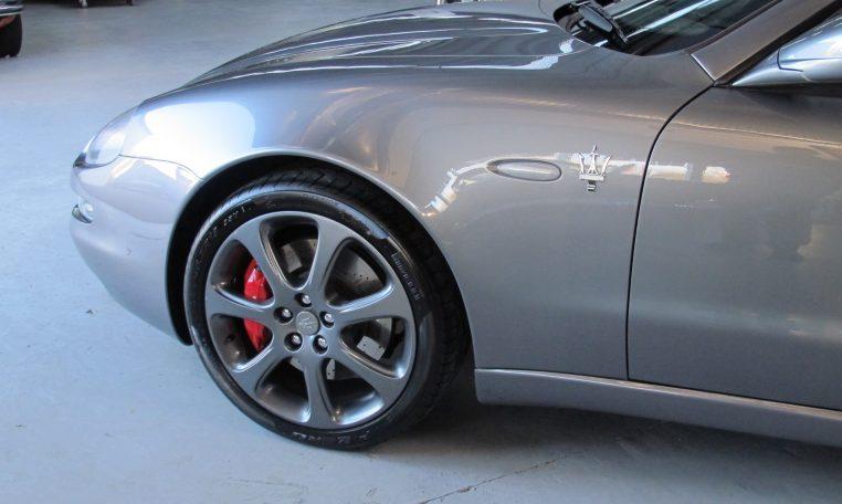 2004 Maserati 4200 GT - Passenger Front Guard