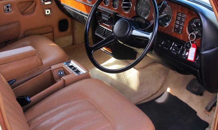 1980 Rolls Royce - Front Seats