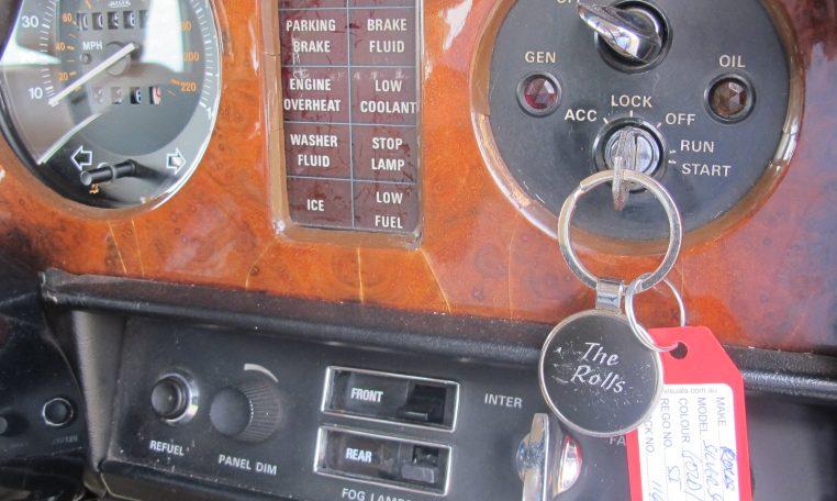 1980 Rolls Royce - Key Ignition