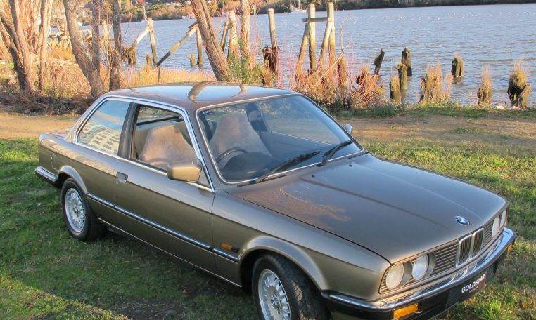 1983 BMW 318i - Front Drivers Side