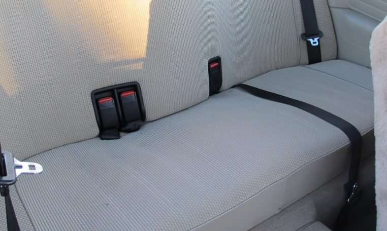 1983 BMW 318i - Rear Seat