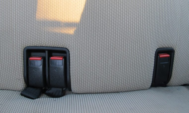 1983 BMW 318i - Rear Seat Belts