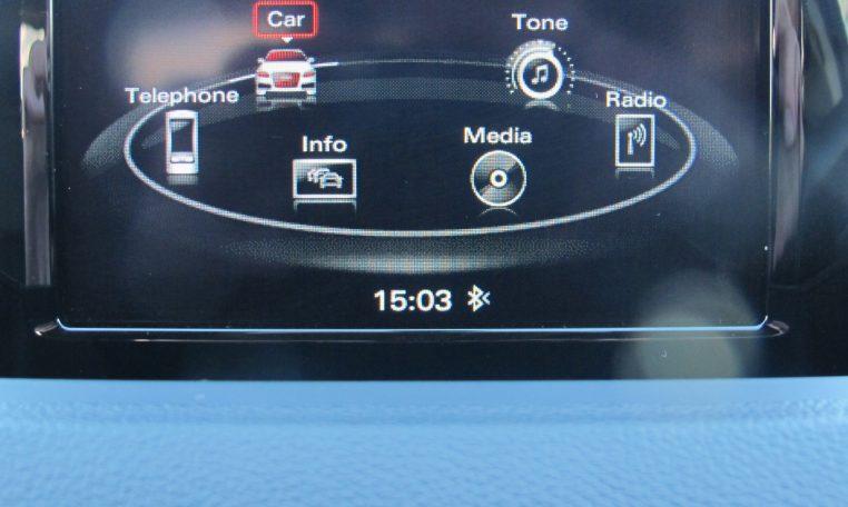 2016 Audi Q3 - Display Screen