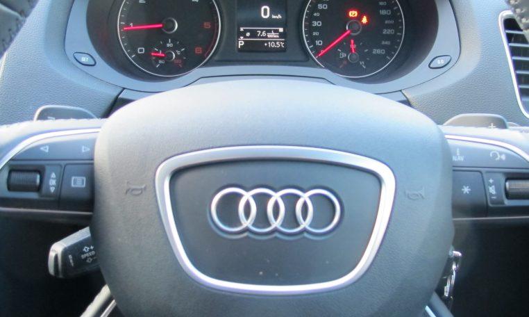 2016 Audi Q3 - Speedo