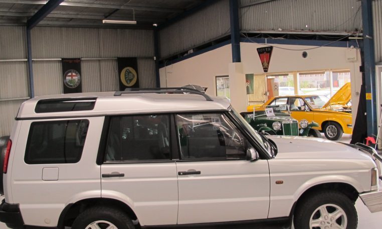 2002 Discovery 2 - Side Profile