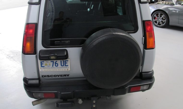 2002 Discovery 2 - Rear Profile