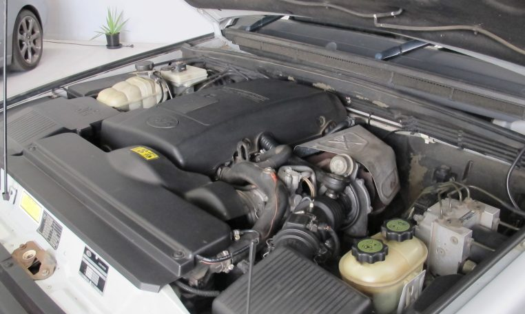 2002 Discovery 2 - Engine Bay