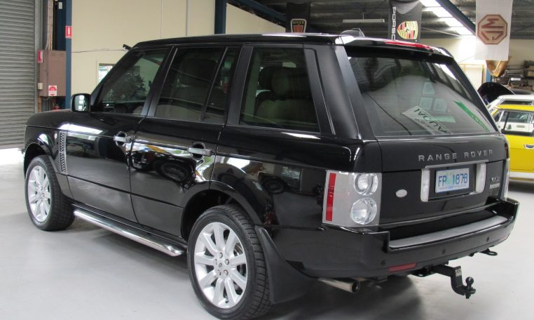 Range Rover Vogue - Passenger Side Profile
