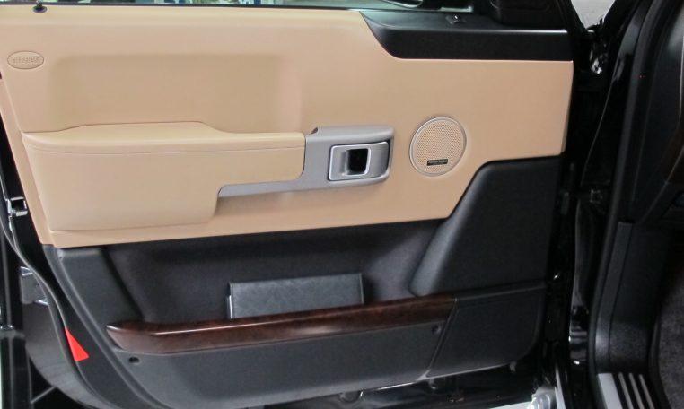 Range Rover Vogue - Inside Passenger Door