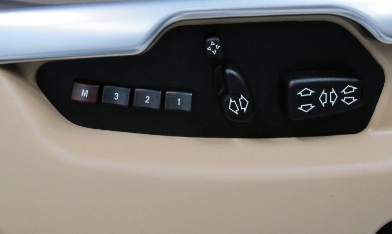 Range Rover Vogue - Seat Controls