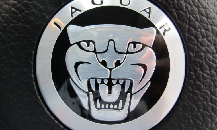 XF Jaguar - Badge