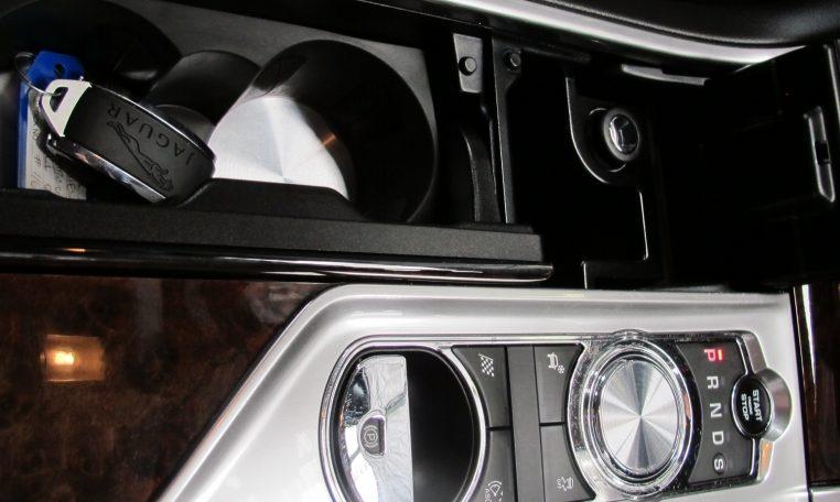 XF Jaguar - Console
