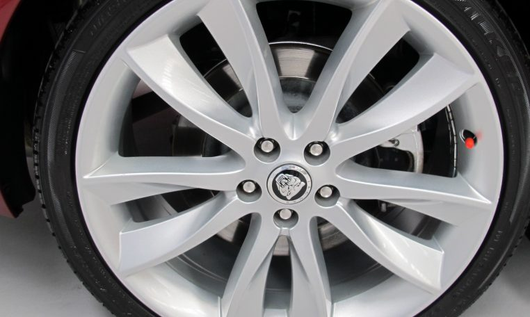 XF Jaguar - Wheel