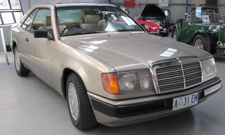 Mercedes 300 CE - Front View