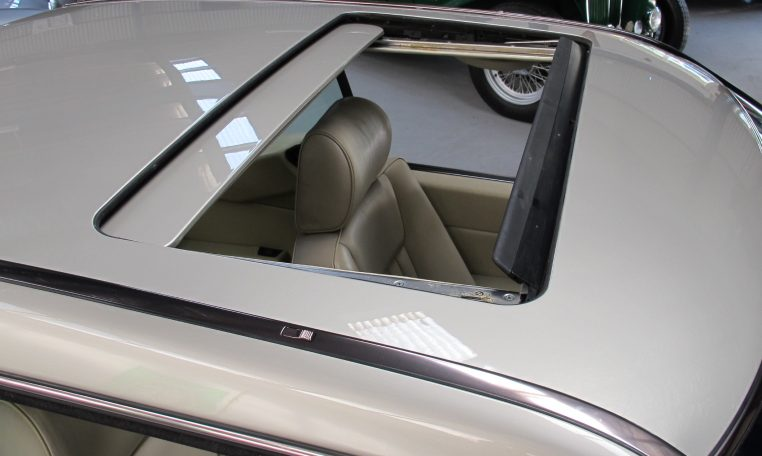 Mercedes 300 CE - Sunroof