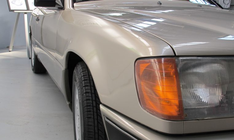 Mercedes 300 CE - Front Guard