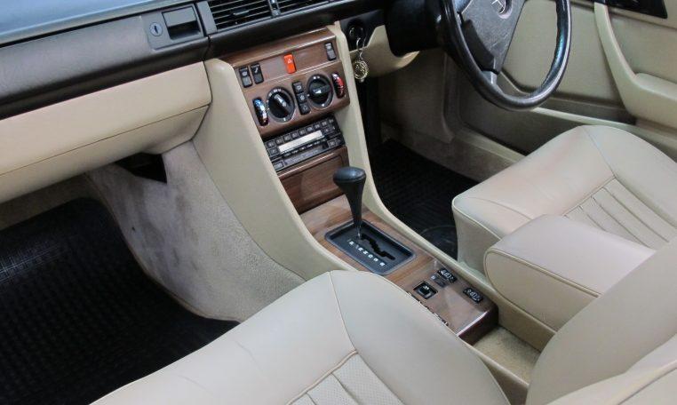 Mercedes 300 CE - Front Interior