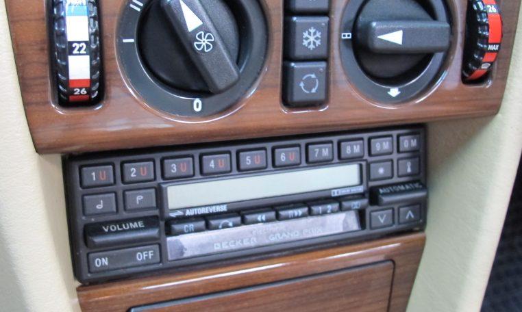 Mercedes 300 CE - Dash