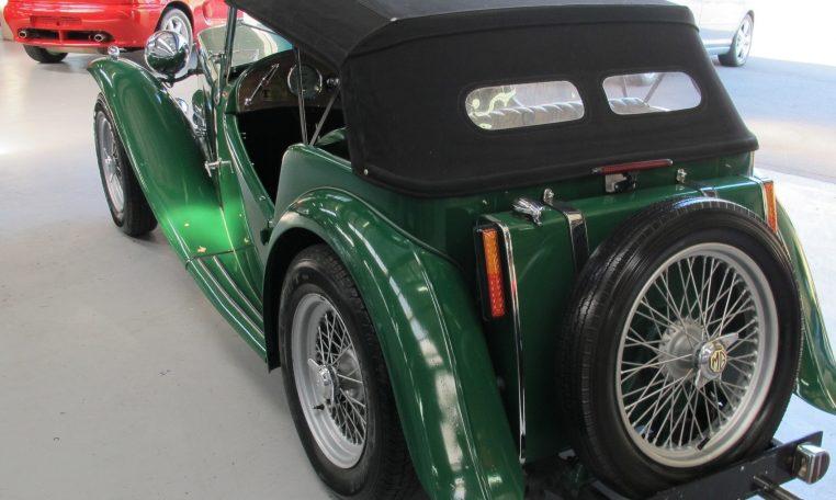 1947 MG TC - Roof