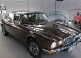 Jaguar XJ6 Series 2 - Windscreen