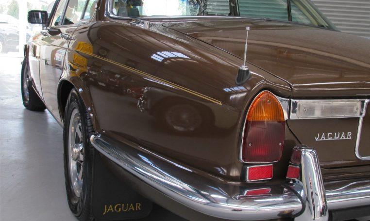 Jaguar XJ6 Series 2 - Rear Guard