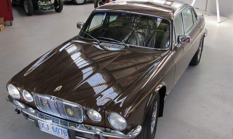 Jaguar XJ6 Series 2 - Bonnet