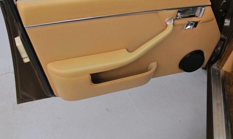 Jaguar XJ6 Series 2 - Inside Passenger Front Door