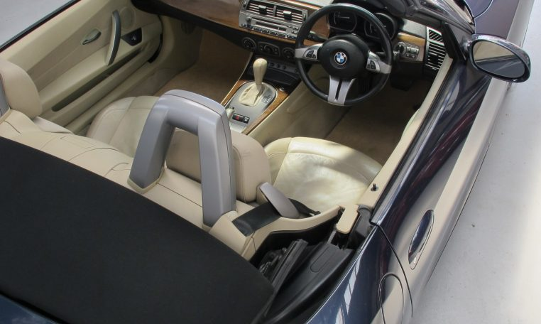 2005 BMW Z4 - Inside View