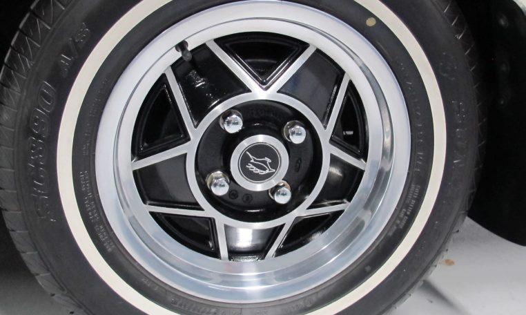 1975 Triumph Stag - Wheel