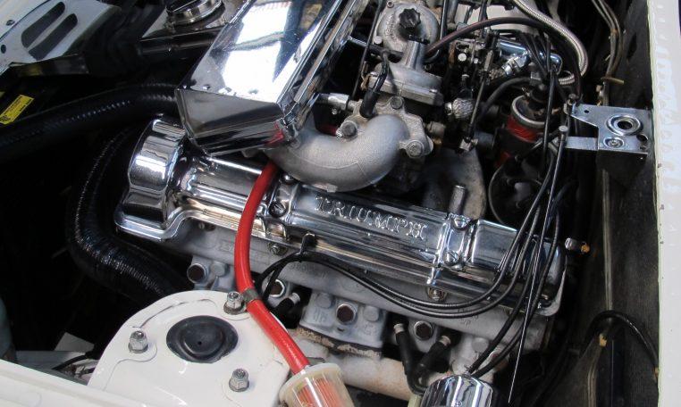 1975 Triumph Stag - Engine
