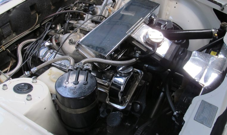 1975 Triumph Stag - Engine Bay