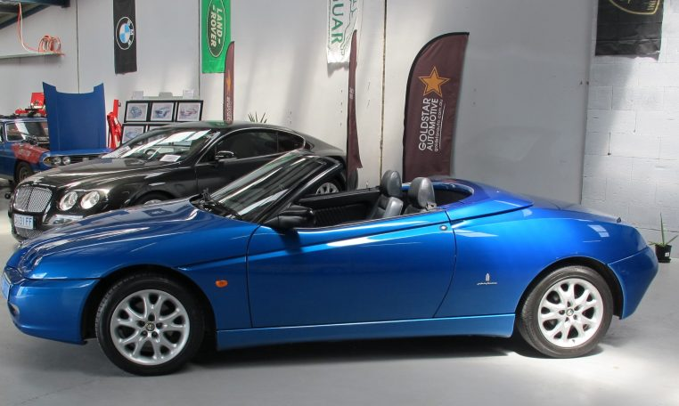 2003 Alfa Romeo Spider - Passenger Side View