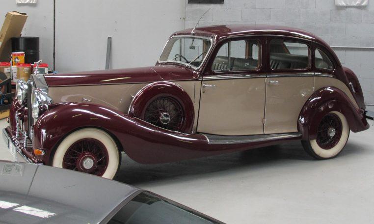 1933 Rolls Royce - Side View