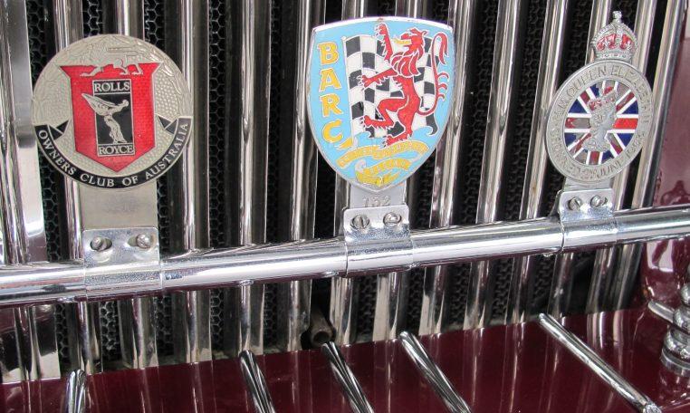1933 Rolls Royce - Badges
