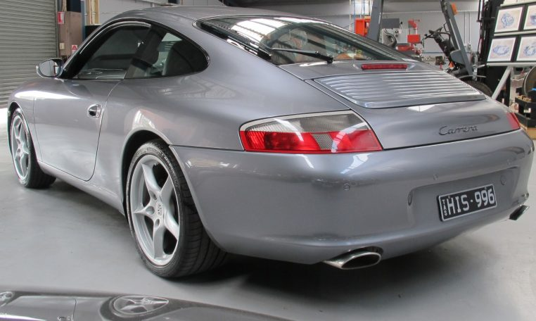 2002 Porsche 911 Carrera - Tail Light