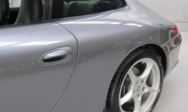 2002 Porsche 911 Carrera - Rear Wheel