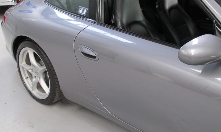 2002 Porsche 911 Carrera - Back Wheel