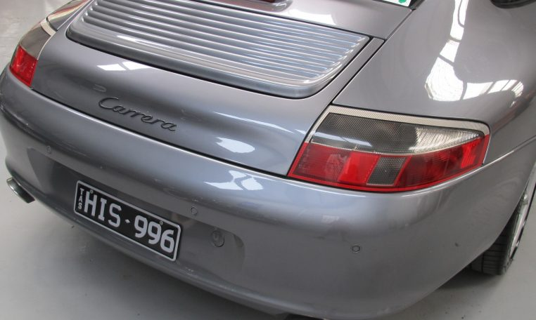 2002 Porsche 911 Carrera - Tail Lights