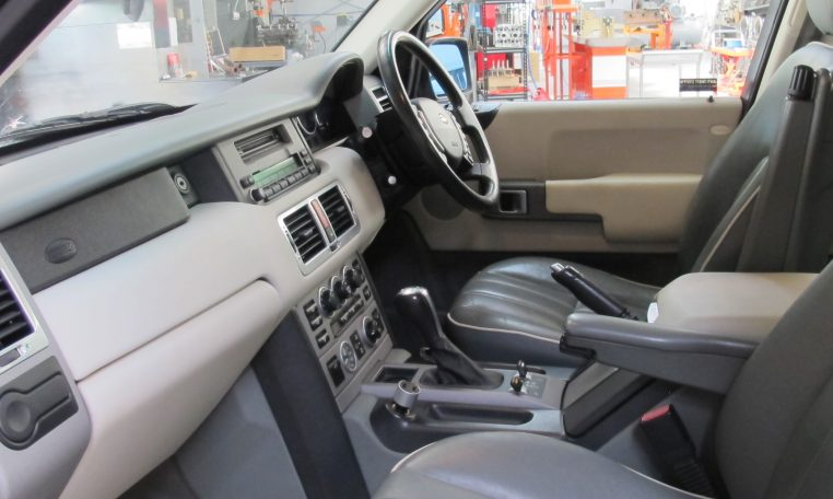 2002 Range Rover HSE - Inside Front