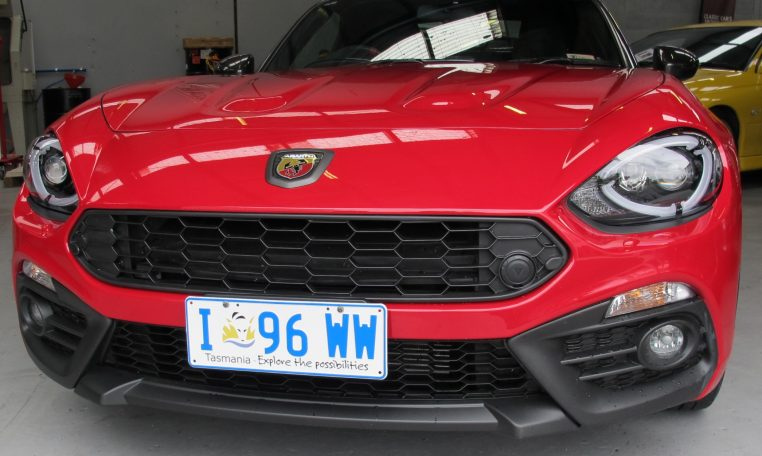 2017 Abarth 124 Spider - Front Grill