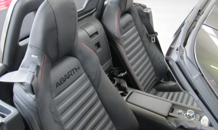 2017 Abarth 124 Spider - Seats