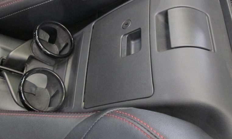 2017 Abarth 124 Spider - Cup Holders