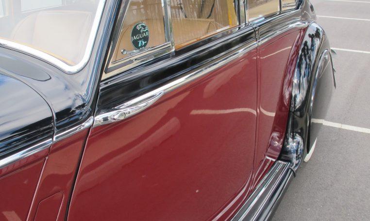 1949 Jaguar MK V - Passenger Side