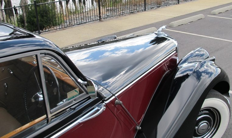 1949 Jaguar MK V - Bonnet